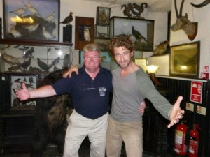 Gerard Butler and pub landord Earnest Stranf at the Drover's Inn